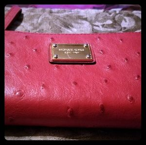 MICHAEL KORS ZIPPY WALLET